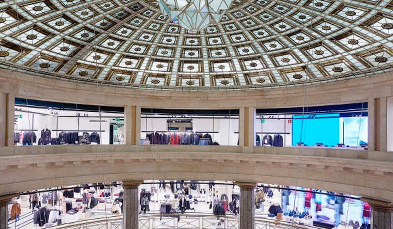 Uno de los Zara más grandes del mundo está en Plaça Catalunya a28f5fab073