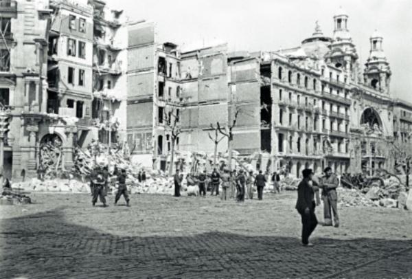bombardeo a la gran via de barcelona